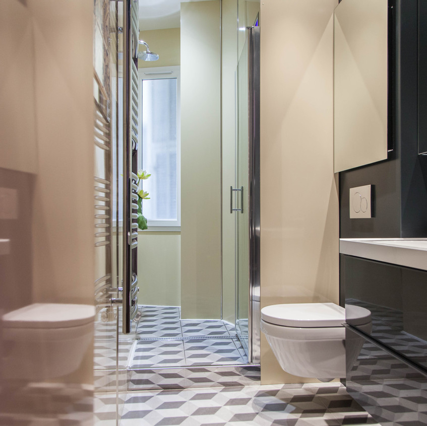 Rénovation d'une salle d'eau dans un appartement bourgeois à Nice.