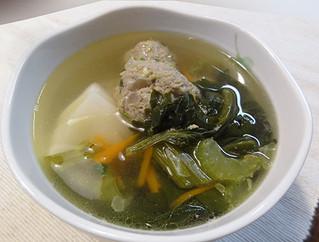 セロリたっぷりベトナム風肉団子スープ