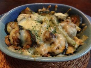 ズッキーニとマッシュルームのチーズ焼き