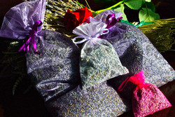 Various sizes of lavender sachets
