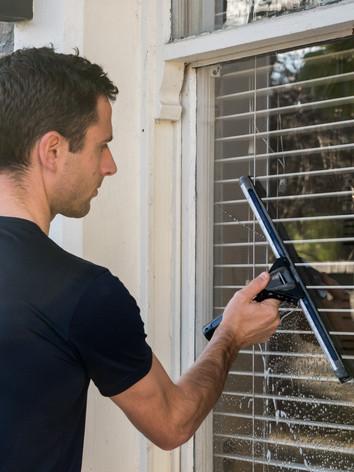 window cleaning pic 1.jpg