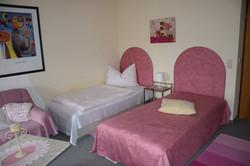 Einzelzimmer/Zwei-Bett-Zimmer