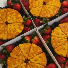 Cheese Blondie w/ Fruit Platter