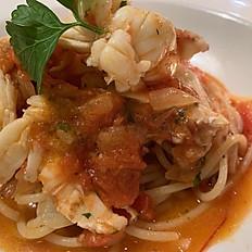 Spaghetti all'aragosta (Spaghetti with lobster)