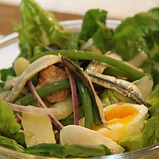 Insalata mediterranea (Mediterranean salad)