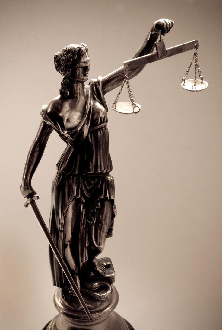 """เทพีแห่งความยุติธรรม """"Lady of Justice"""""""