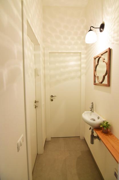 מסדרון לשירותי אורחים