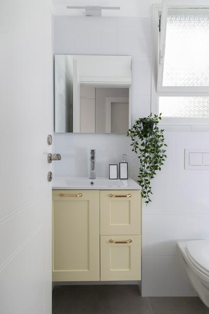 שירותים ומקלחת
