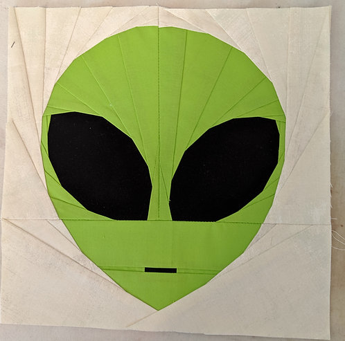 Alien Head Foundation Paper Piecing Pattern