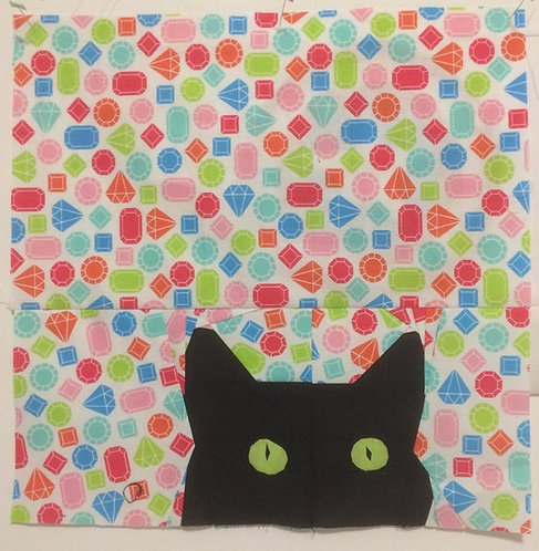 Cat Peeking Foundation Paper Piecing Pattern