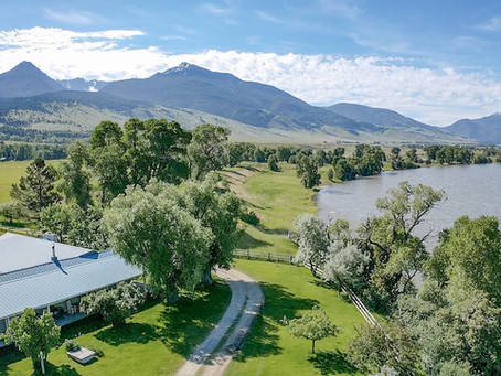 Celebrate Your Love on the Bank of Yellowstone at This Breathtaking Venue - Stoneflower Events