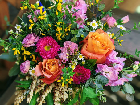 5 Incredible Colorado Florists to Consider for Your Wedding Day Flowers!
