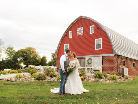 This Gorgeous North Dakota Wedding Venue Provides a Full Weekend of Festivities!  (Hankinson)