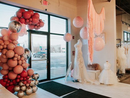 The Wedding Dress!  6 Illinois Bridal Dress Shops You Must Visit!