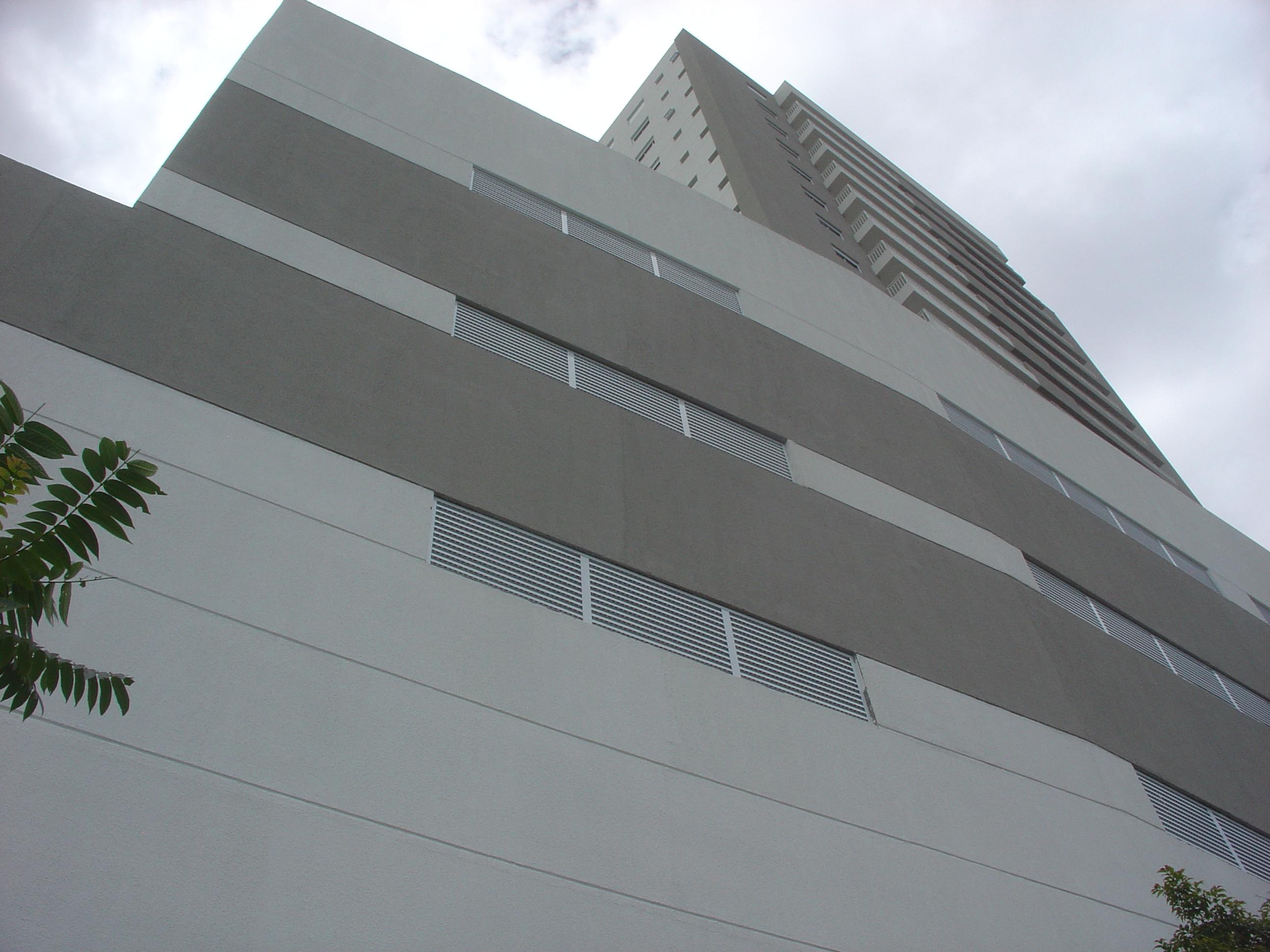 Vista da fachada Menoti