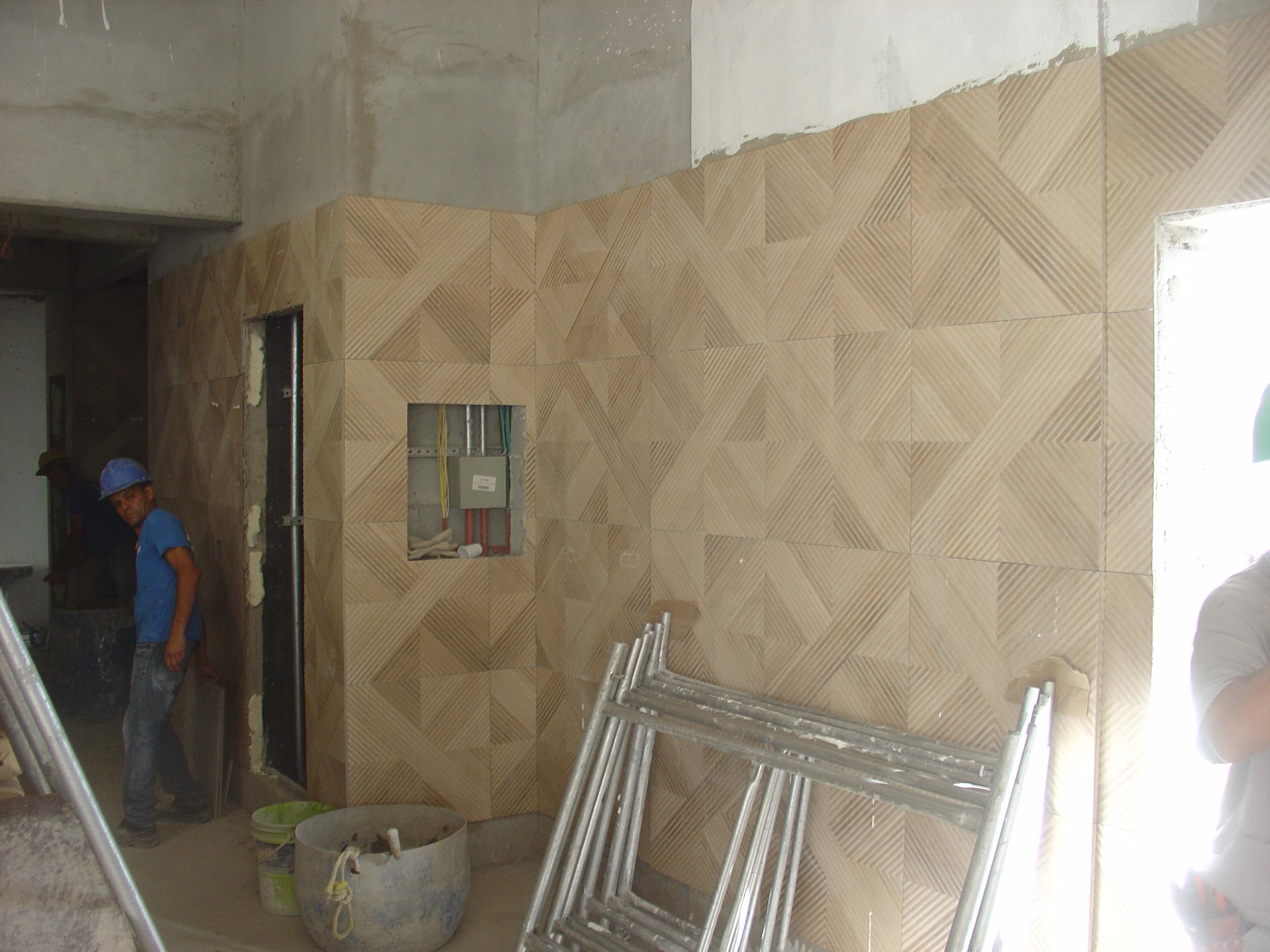 Execução dos azulejos do Térreo