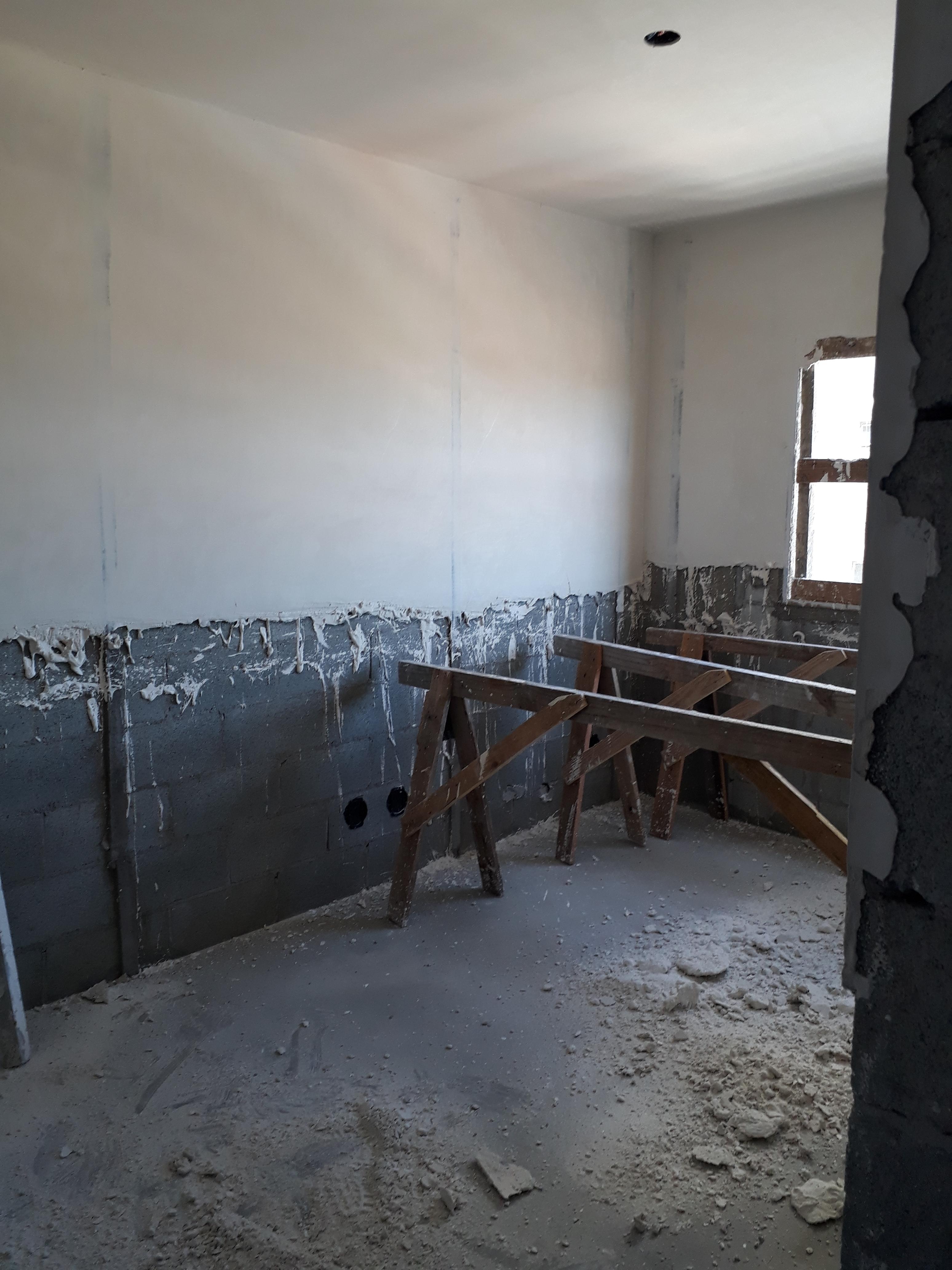 Execução de gesso liso - 5º andar