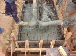 Concretagem de bloco de fundação