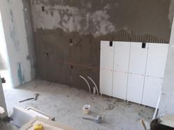 Aplicação de azulejos na cozinha