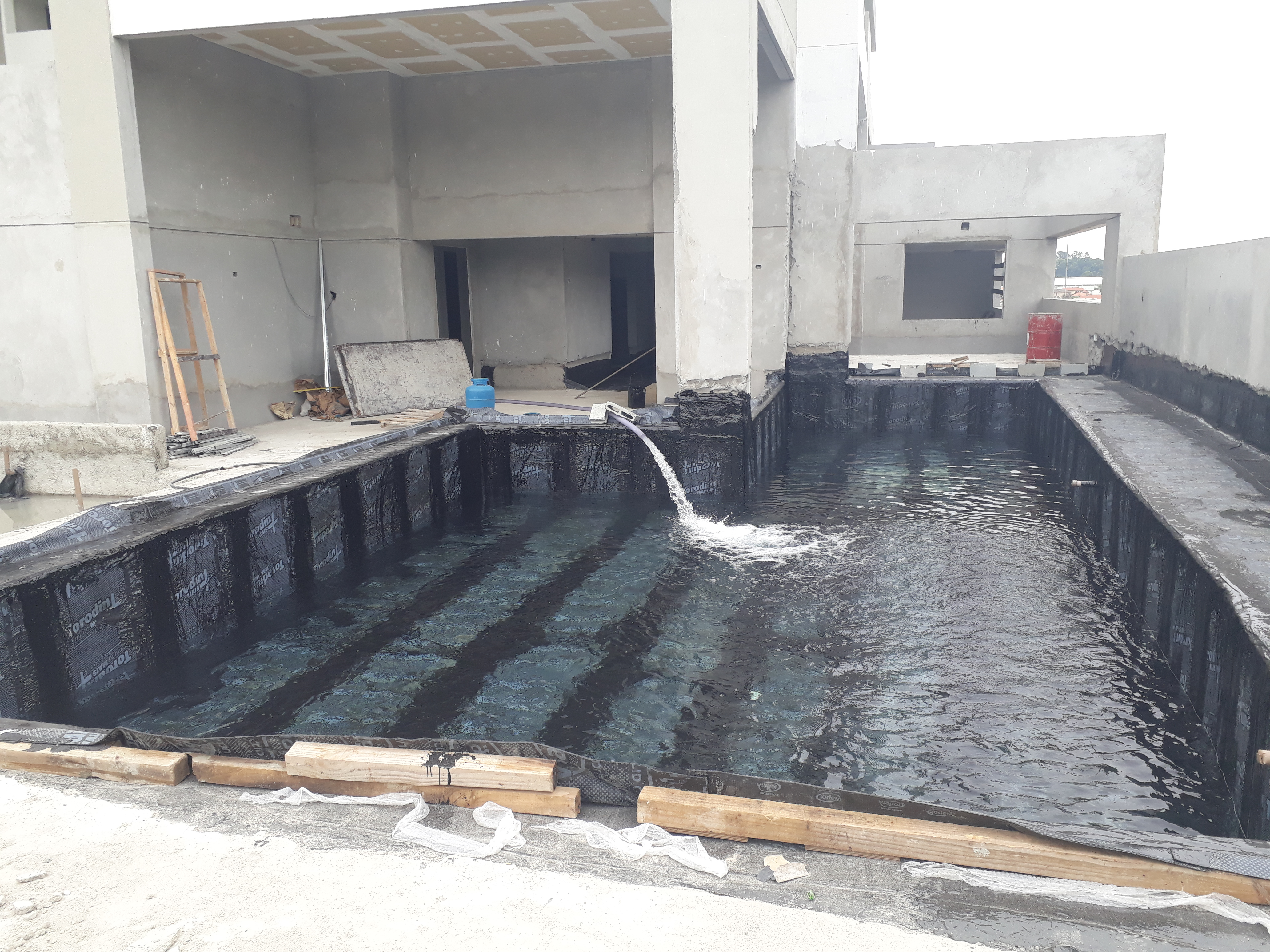 Teste da manta da piscina