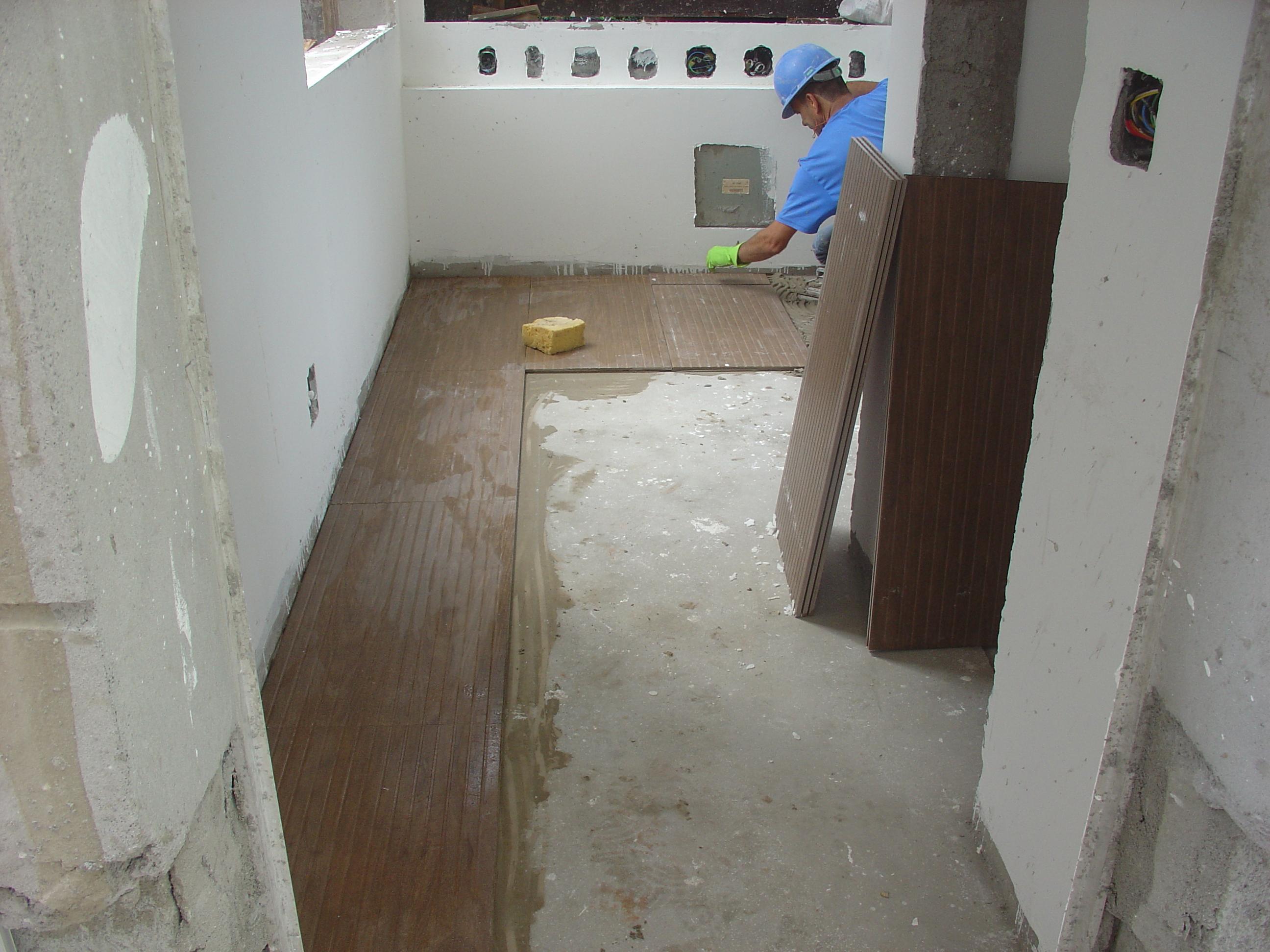 Colocação de piso da guarita