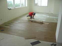 Colocação piso da academia
