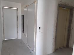 Instalação de portas de shaft no hall