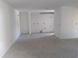 Apartamento com primeira demão de