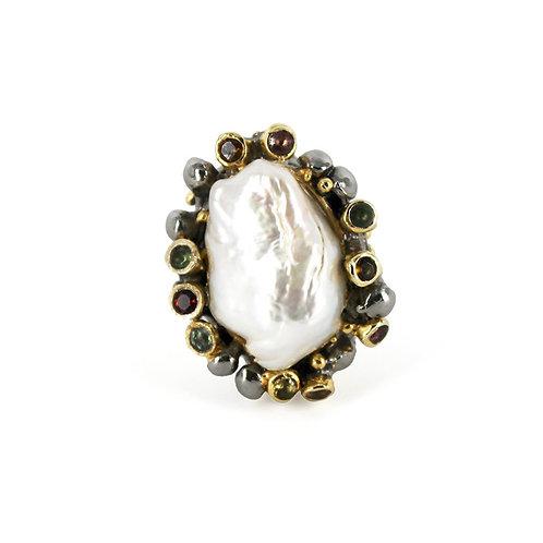 Ursula Baroque Pearl ring
