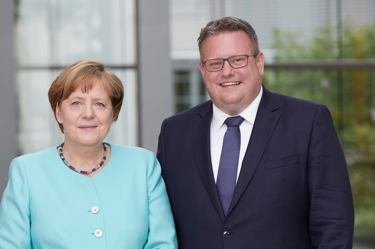 Merkel_Uhl_Auswahl.jpg