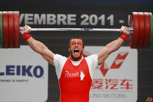 Olympic weightlifter Dmitry Klokov has outstanding intramuscular coordination that makes him a lean weightlifter.