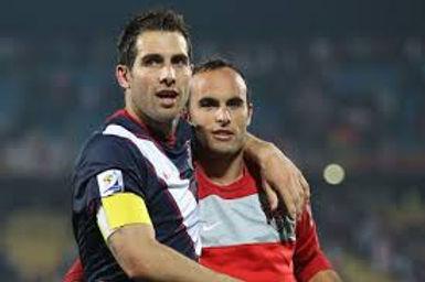 Alumni players Carlos and Landon