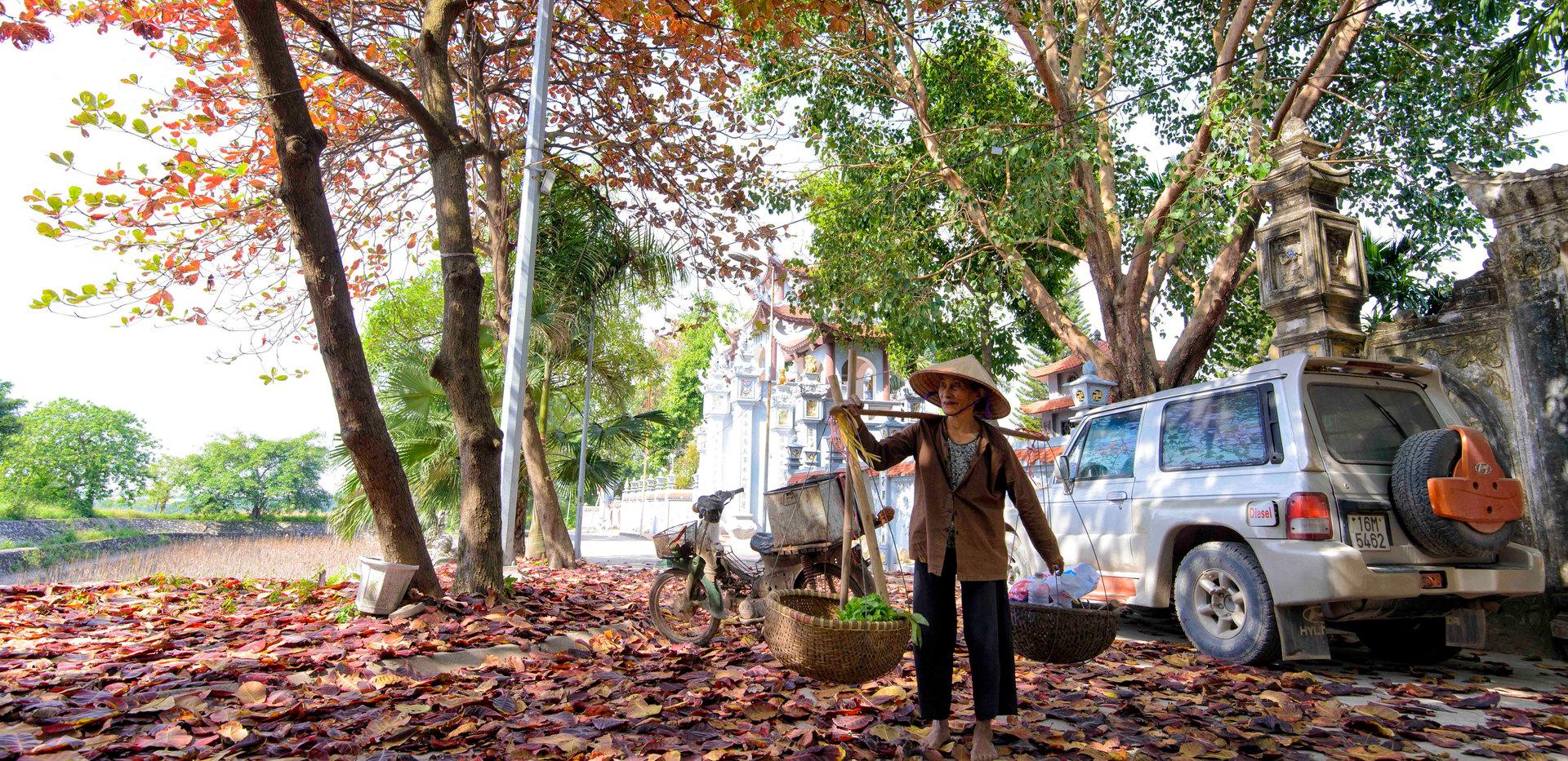 Phụ Nữ làng gốm sứ Kim Lan