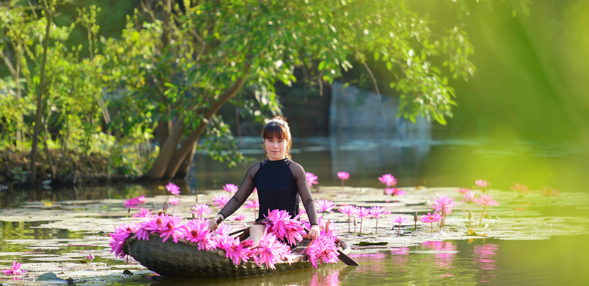 photo tour with waterlily