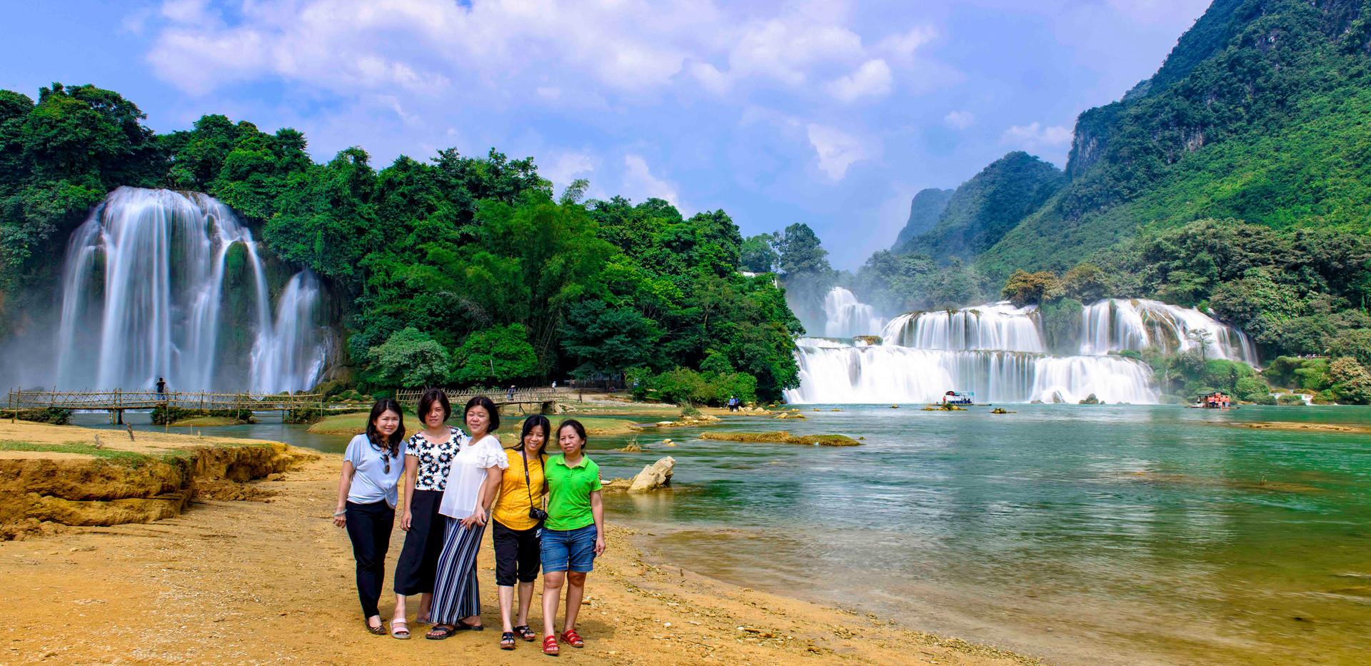 Ban Gioc waterfall photography tour from Hanoi