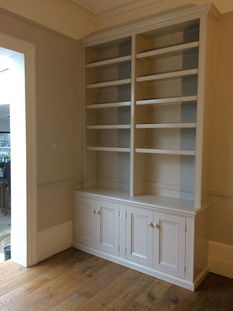 built-in 4 door alcove cupboard and bookcase in Victorian style