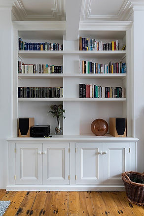 Built-in Victorian style 4 door alcove cupboard and bookcase