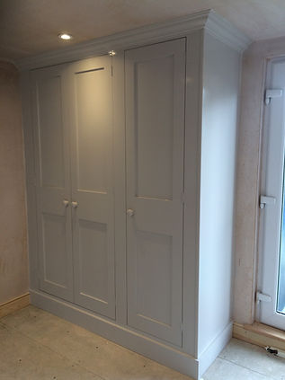 built-in 3 door wardrobe
