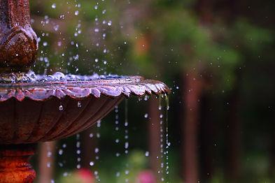 fountain-4753424_1920.jpg