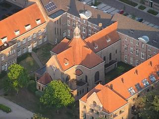 klooster van boven.png