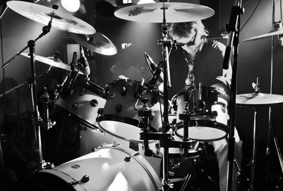 Chubby-on-drums-B&W.jpg