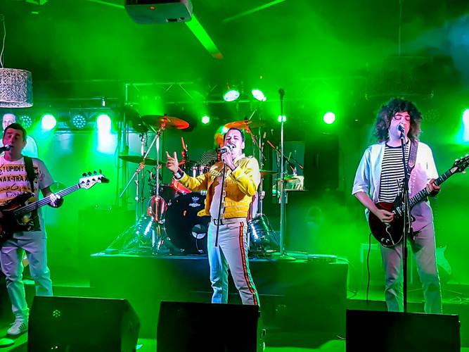Perth Pub gig