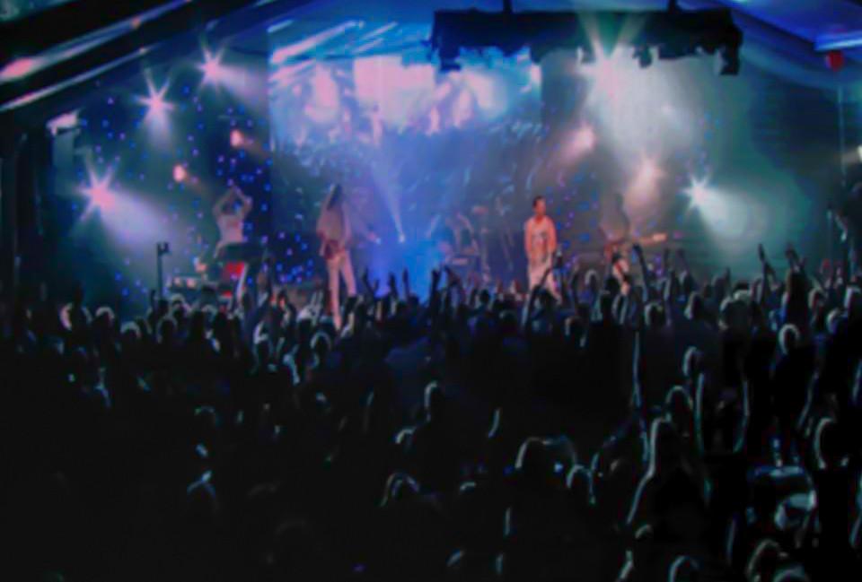 Perth-band-in-Noosa.jpg