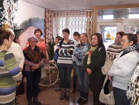 25 октября Дебесский район посетила делегация библиотекарей Балезинского района. Сотрудниками центра