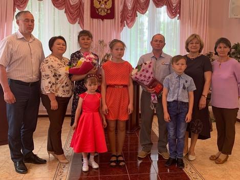 Чествование семьи Ивановых из деревни Котегурт