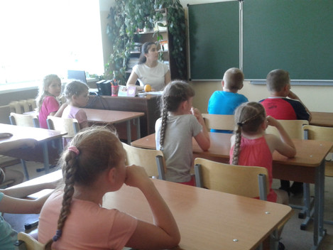Добрый день! День насыщен, но мы нашли время порадовать себя общением с детьми! Тем более аудитория