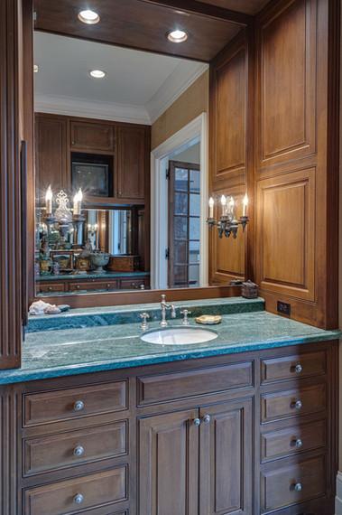 Master Bath- Gentlemans Vanity