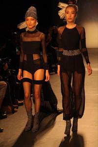 Modelo usando conjunto preto