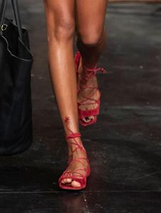 Sandalia de amarrar vermelha
