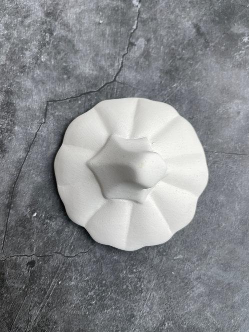 pumpkin lid (with round pot)